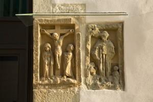 Steinrelief an der Südfassade